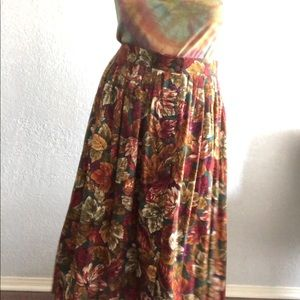 Dresses & Skirts - 80s Vintage Autumnal Floral Button Front Skirt